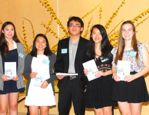 Stepping Stones Club recieves 2016 Student Peace Award