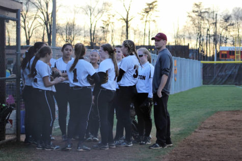 The Oakton Varsity Softball family