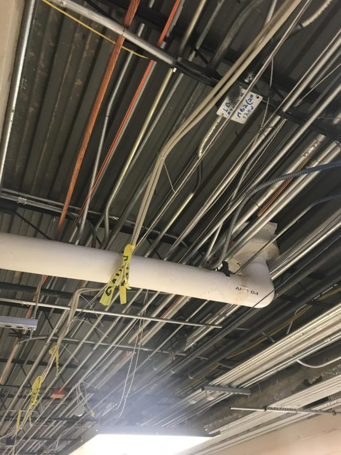 Exposed+pipes+at+Oakton.